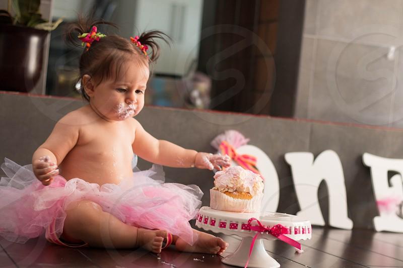 Baby vs Cake photo