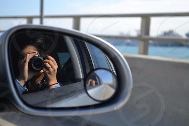 gray car side mirror photo