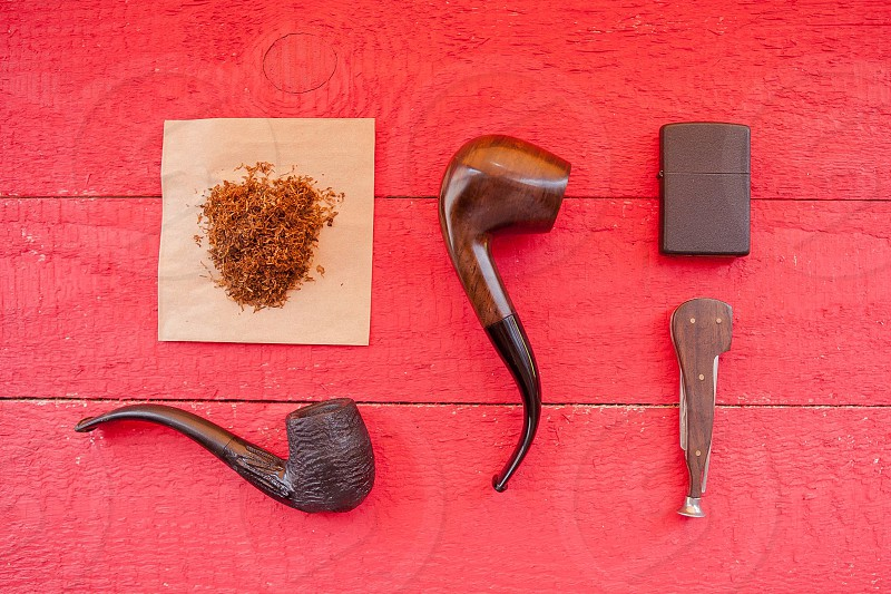 Pipe tobacco red wood photo