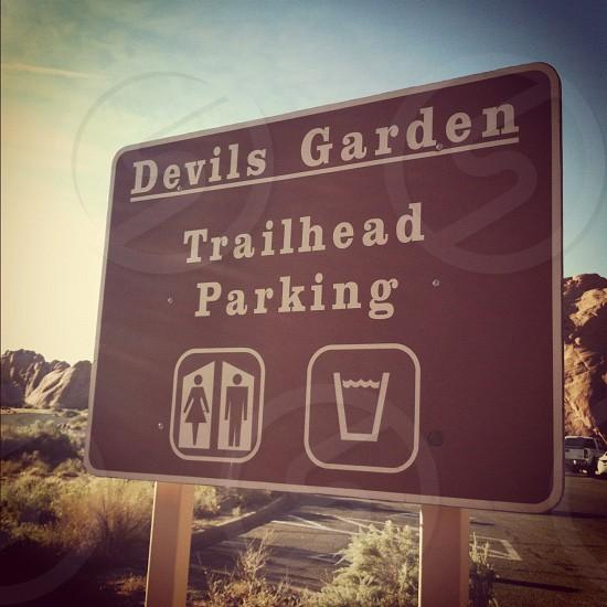 devils garden trailhead parking photo