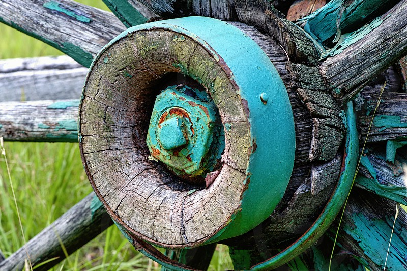Old Wagon Wheel photo