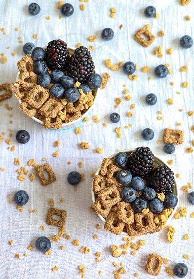 Healthy eating habits...cerealsoatsfruitsberries  photo