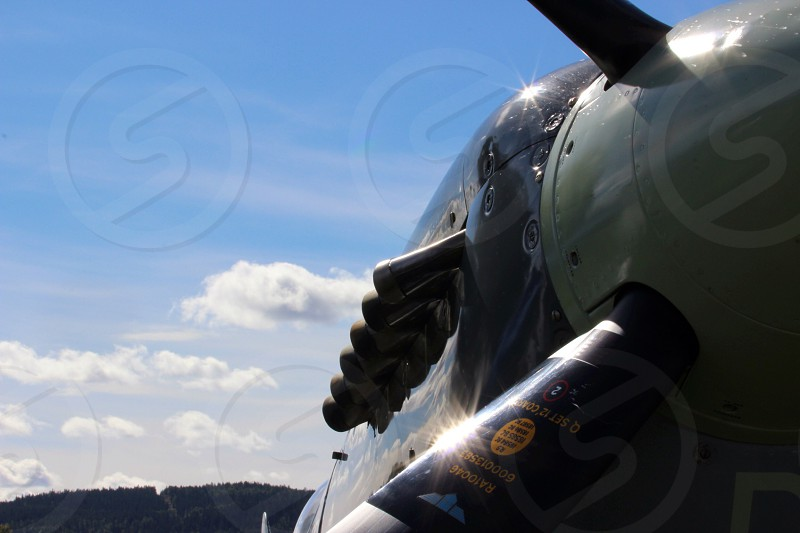 black and grey airplane exhaust pipe photo