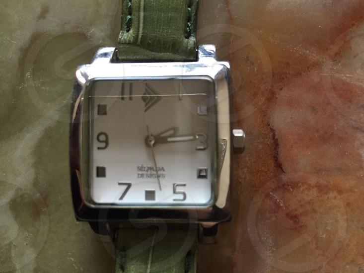 A watch face photo
