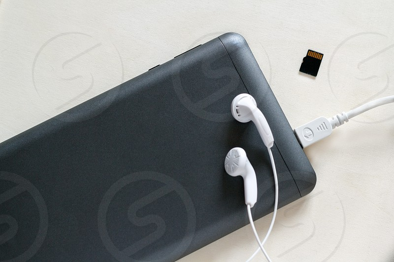 Electronics and phone accessories photo