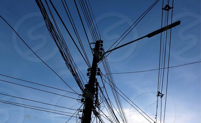 Stromleitungen im Stadtzentrum von Chiang Mai im Norden von Thailand photo