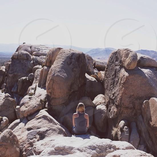 brown rock outcropping photo