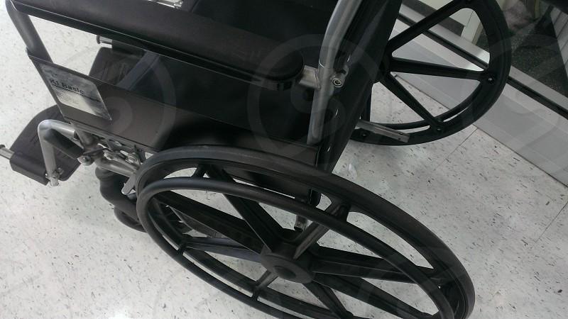 black wheel chair photo