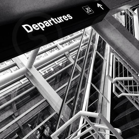 departures signage photo