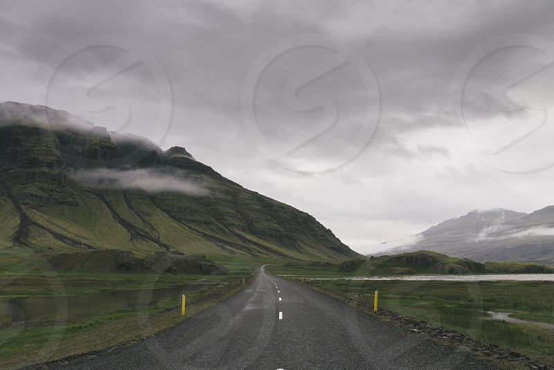 Icelandic road photo