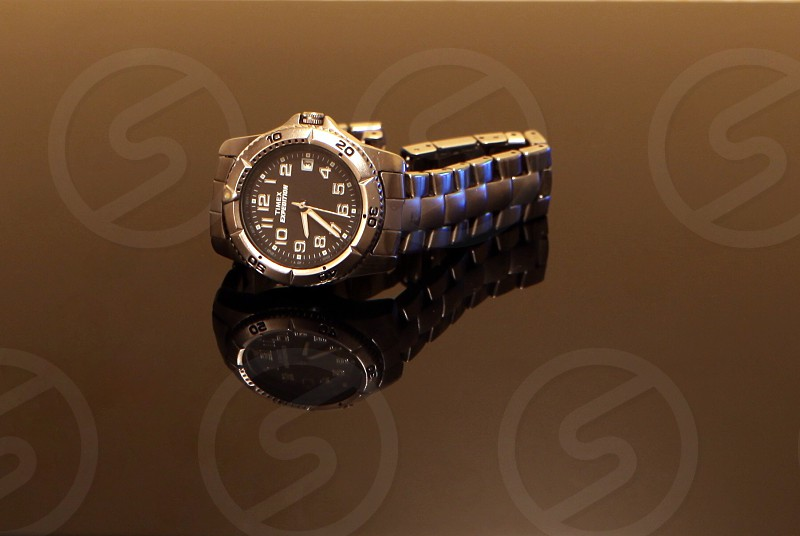 watch time clock close up classic metal hour minute second chrome number silver reflection photo