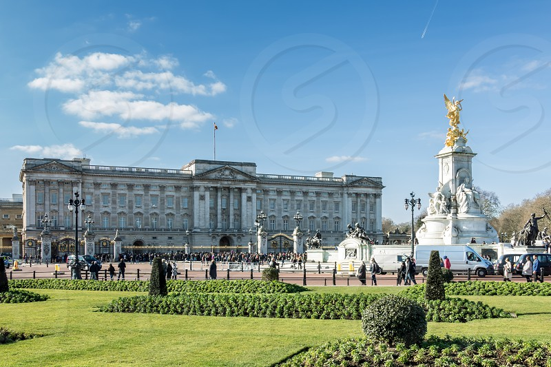 Victoria Memorial outside Buckingham Palace photo
