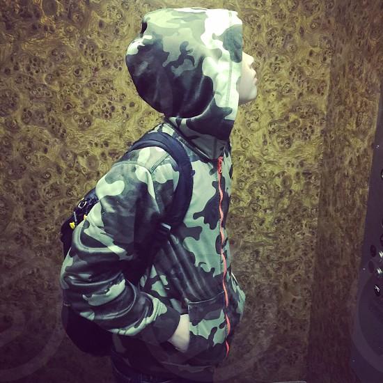 Children camouflage elevator hoodie waiting child boy  photo