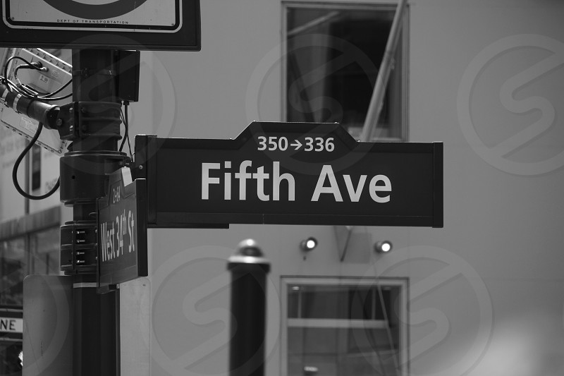Fifth Avenue sign in New York photo