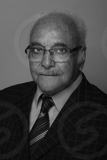 father-pere-portrait-oldman-look-man-cool-glass-grandfather-grand pere photo