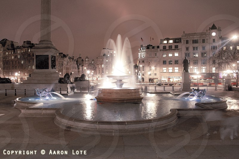 london fountain trafalgar square photo