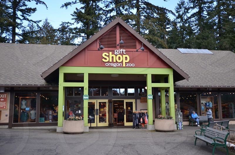 Oregon Zoo Portland gift shop photo