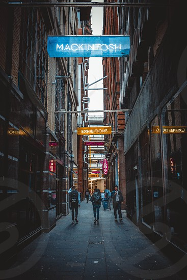 Glasgow alleyway/ photo