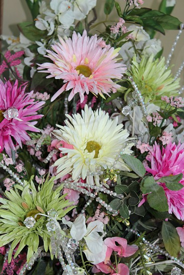 wedding flowers multi-color daisy pearls white green pink photo