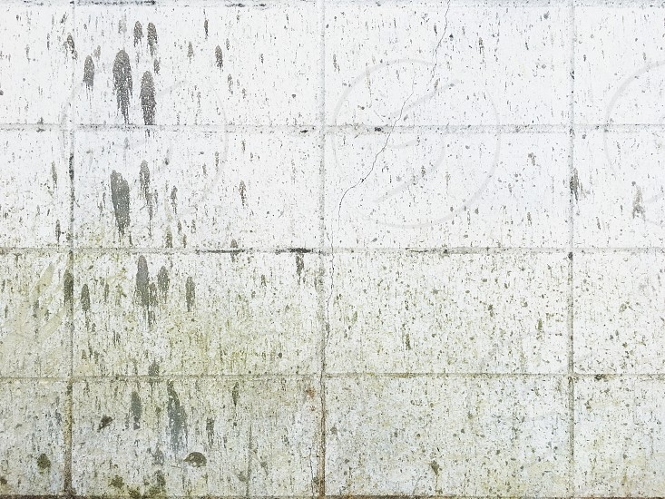 The dirty white wall background photo