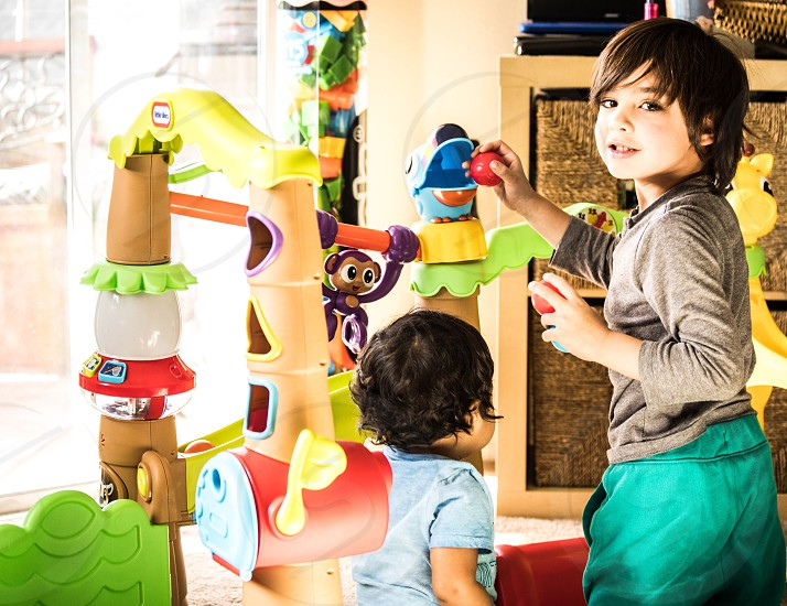 Play home friends  photo
