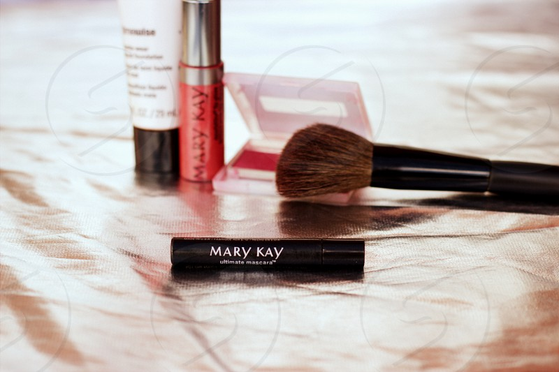 Mary Kay make up beauty blush lipstick mascara brush photo