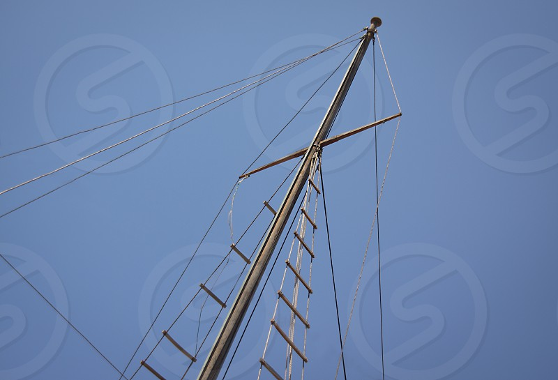 Mast and rigging photo