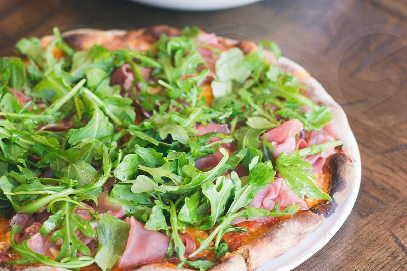 pizza arugala photo