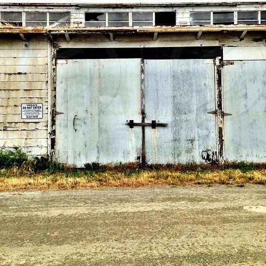 gray concrete warehouse photo