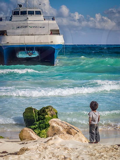 The Boy and The Boat photo