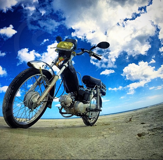black and grey motorcycle photo