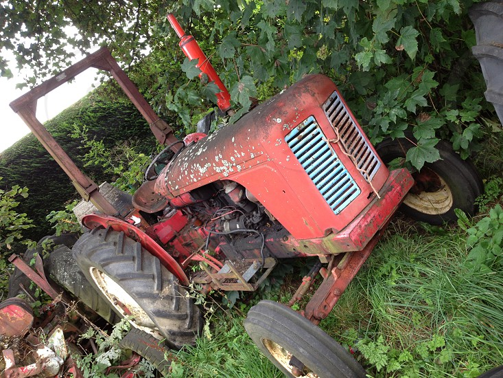 red tractor photo