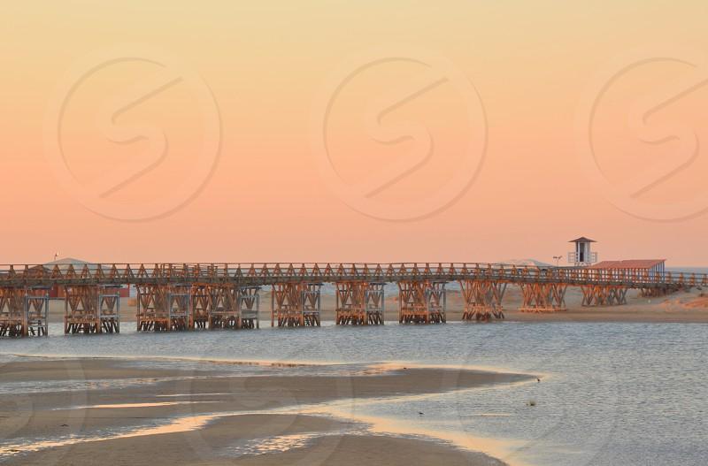 Amanecer en la playa photo