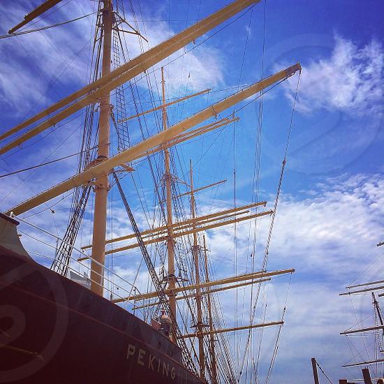 brown wooden sailing ship photo