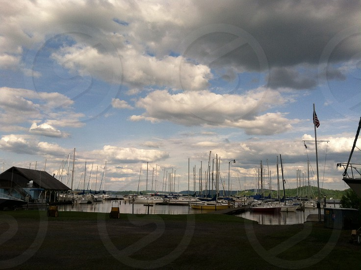 yachts on lake photo