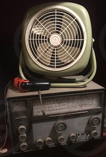 Fan radio receiver avocado green blade photo