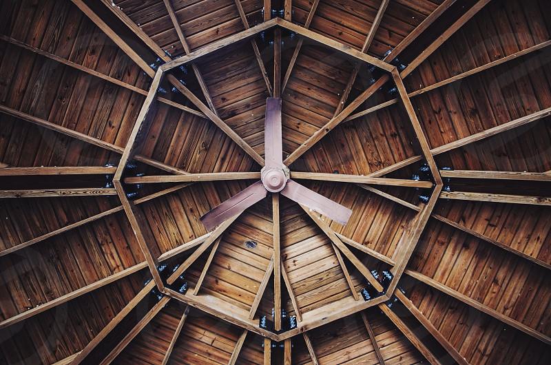white three blade ceiling fan photo