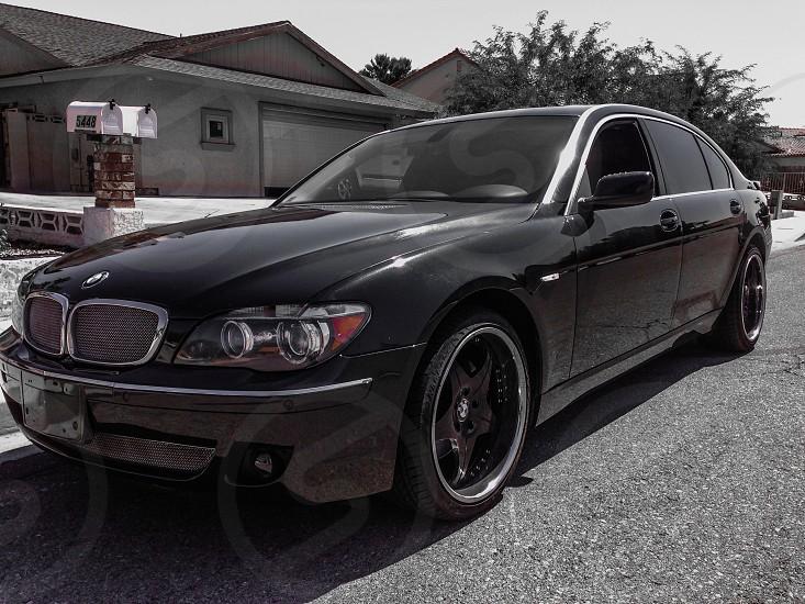 BMW 750Li photo