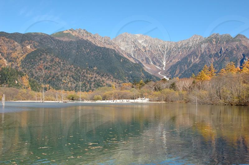 秋の上高地、大正池 photo