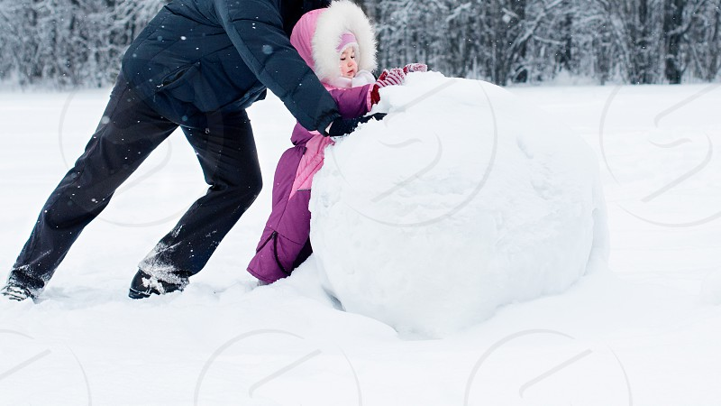 dad daddy family father daughter child man men game people winter love photo