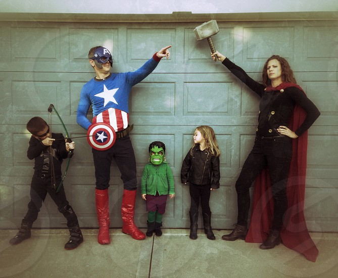 Halloween family costumes avengers funny photo