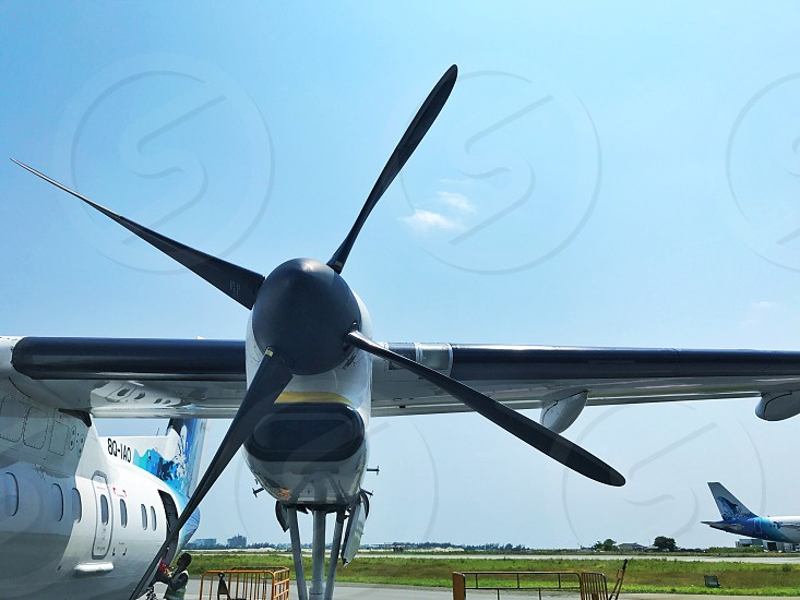 Airplanewingpropellersbladewingjet photo