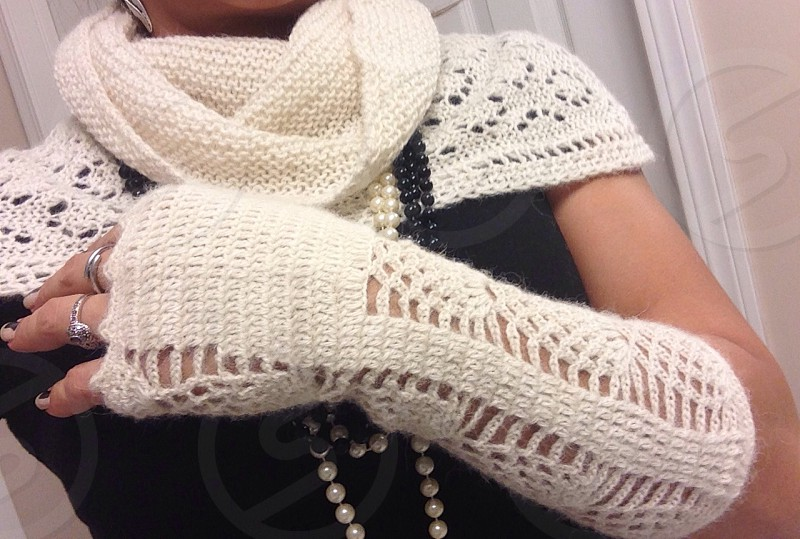 Alpaca free finger mittens & No end Scarf photo