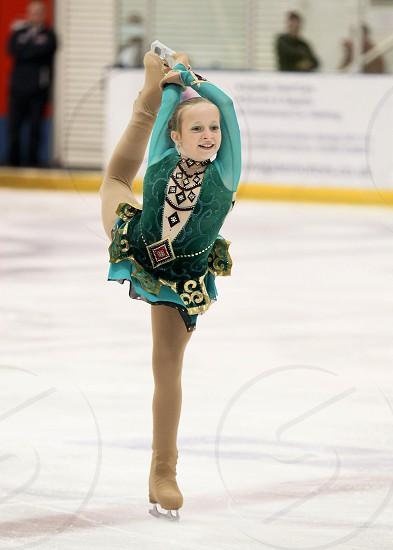 Amazing figure skating - 12yo girl on the ice ;) photo