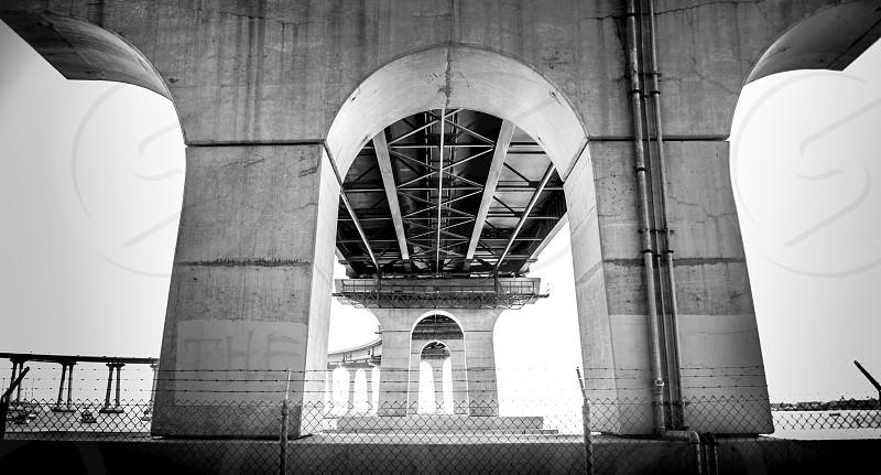 grey concrete arch building photo