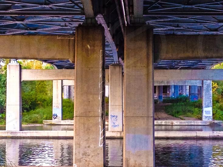 concrete pillars photo