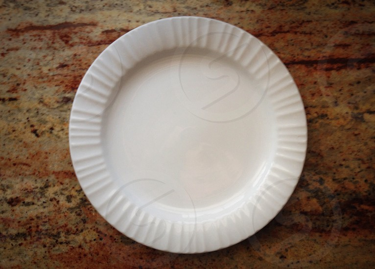 white ceramic plate photo
