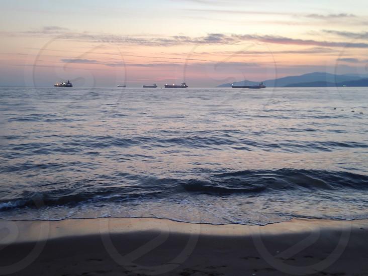ocean front scene photo