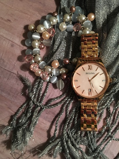 gold link bracelet round analog watch photo