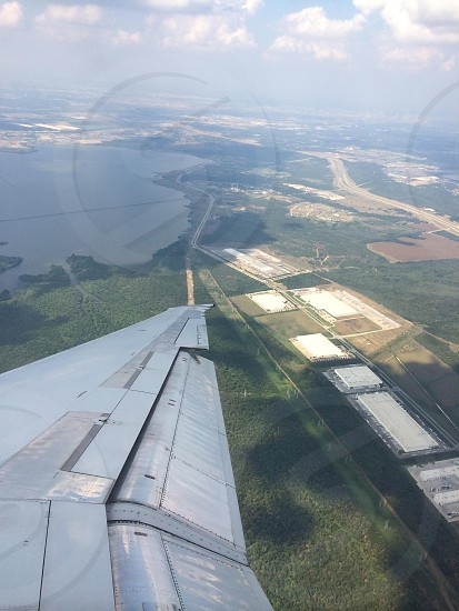 gray airplane wing photo